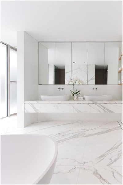 Six types of tiles suitable for bathroom decoration - marble tiles